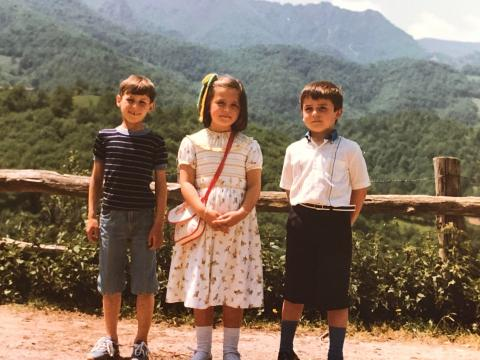 En La Felguerina, con su hermano y un primo.